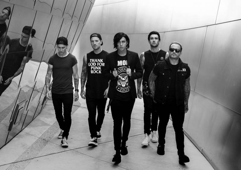 SLEEPING WITH SIRENS + CHAPEL (US) + CHASE ATLANTIC (AU)