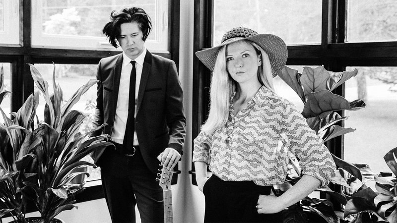Still Corners (UK) + Support: Floorbrothers (CH)